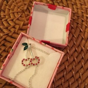 NIB Avon 🍒 Cherry Necklace